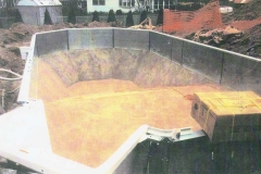 STEP 7 - Smooth trowelled pool floor